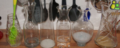 Wasserkaraffen Reinigung, Wasserkaraffe reinigen, Karaffe sauber bekommen, Karaffen säubern, Glaskaraffe putzen.