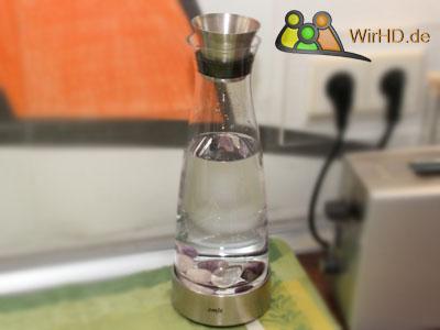 Heilsteine in der Glaskaraffe, Wasserkaraffen.