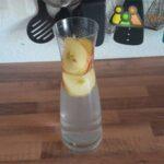 Zu große Fruchtscheiben, Wasserkaraffe, Wasserkaraffen Obst.
