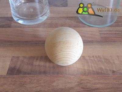 Deckel für eine Wasserkaraffe aus Glas, Schöner Zirbenholzdeckel, Deckel aus Holz, Deckel für Wasserkaraffen, Zirbenholz, Runder Holzdeckel,Kugel aus Zirbenholz, Wasserkaraffe Zirbenholzkugel, Wasserkaraffe aus Glas mit Deckel, Zirbenkugel Glaskaraffe.