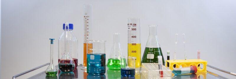 Glas: Herstellung und alles was du darüber wissen solltest, Borosilikat. Kristallglas.