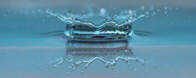 Warum ist Wasser nass?