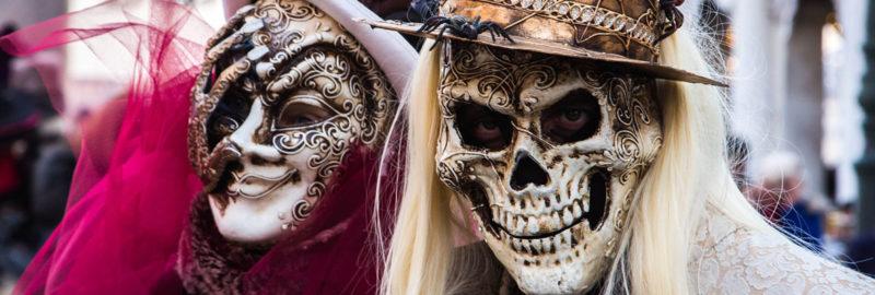 Lustige Schutzmasken online bestellen. lustige Corona-Mundschutz-Masken kaufen. Mund-Nasen-Bedeckungen mit witzigen Motiven bestellen.
