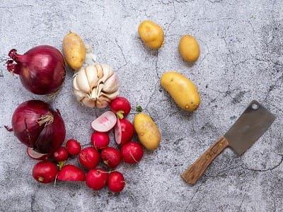 Knoblauchzehen, Knoblauch, Zwiebeln, Kartoffeln, Gemüse, Obst, Knoblauchröster