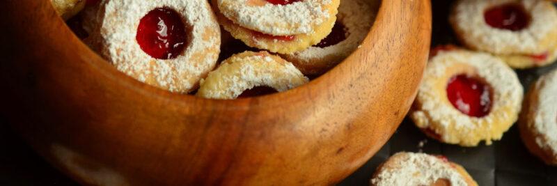 Brotbüchse aus Holz. Brotdosen aus Holz selber machen, Lunchboxen aus Edelstahl mit Holz Deckel als Schneidebrett, Brotkasten aus Bambus oder Zirbenholz