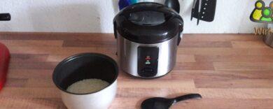 Kleiner Reiskocher. Reiskocher.